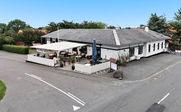 Bornholms mest berømte flæskesteg: Restaurant Rø er sat til salg
