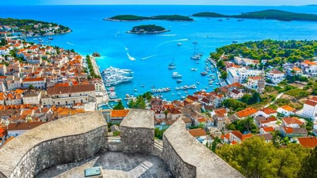 Bornholm kåret som Europas næstbedste ferie-ø: Her er den, der slår os